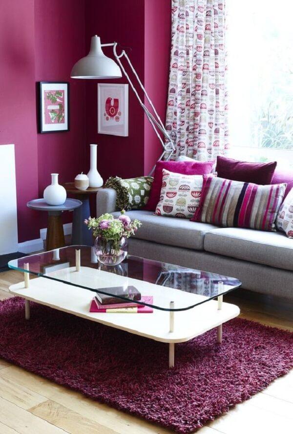Tapete rosa peludo para sala de estar