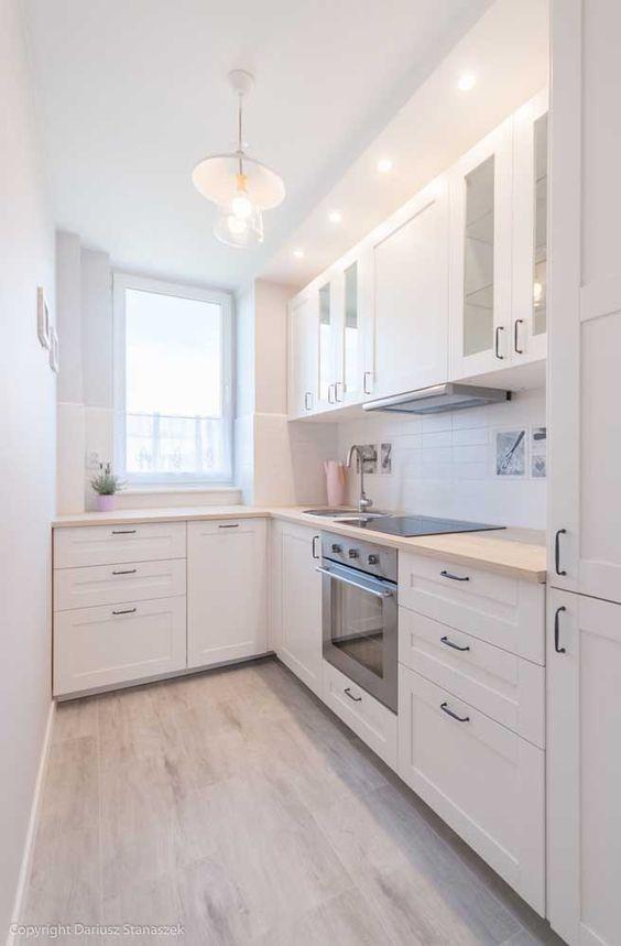 Armário de cozinha branco de canto