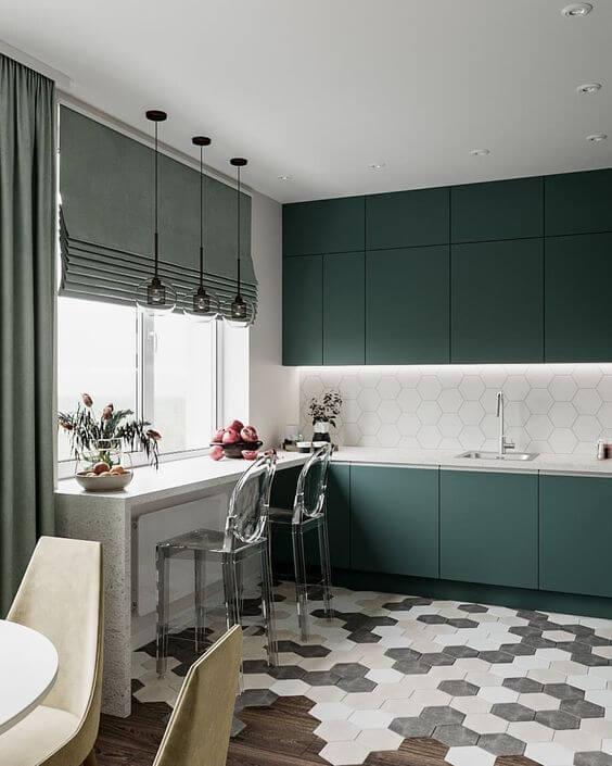 Armário de cozinha verde com persiana