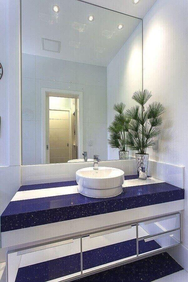 bancada de banheiro em silestone azul escuro Foto Pinterest