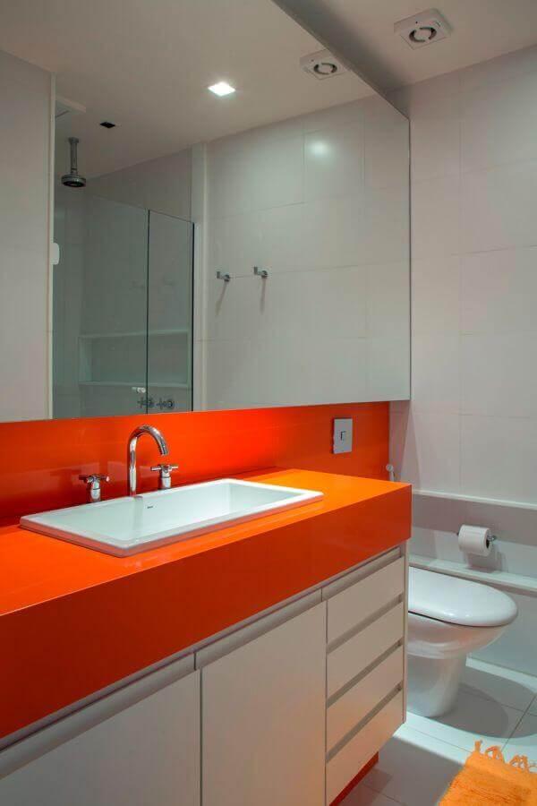 bancada de banheiro em silestone laranja Foto Pinterest