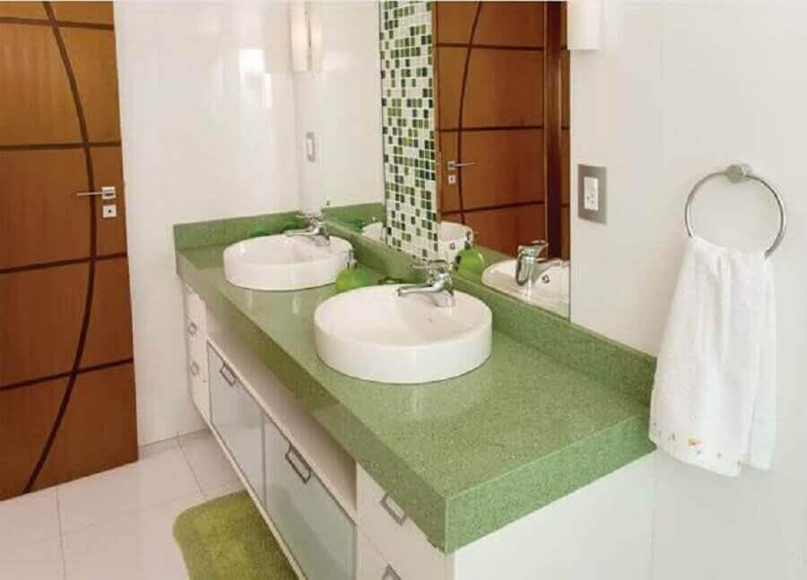 bancada de banheiro verde Foto Assetproject