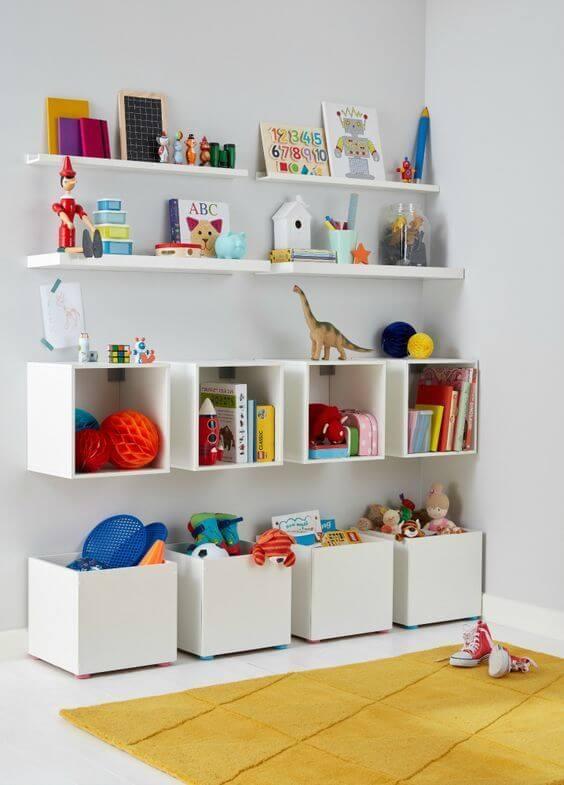 Brinquedoteca com nichos e prateleiras