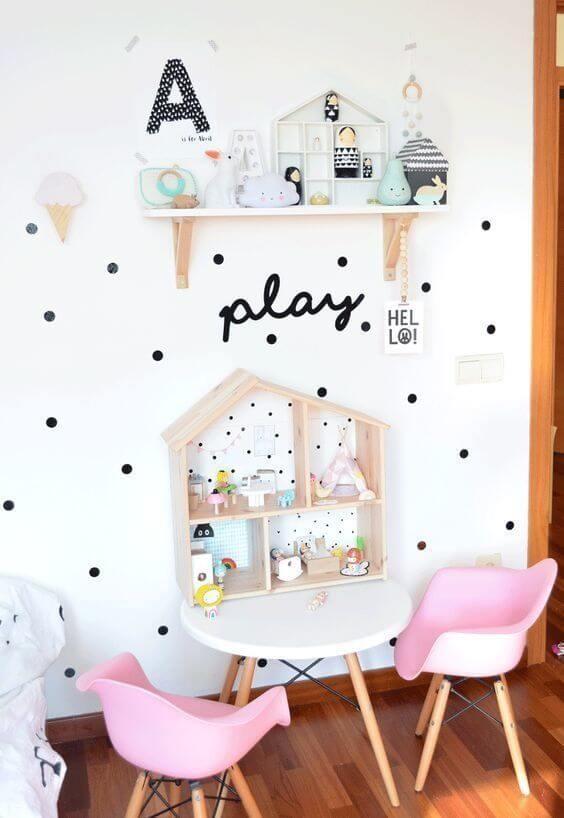 Brinquedoteca pequena e simples para decoração linda