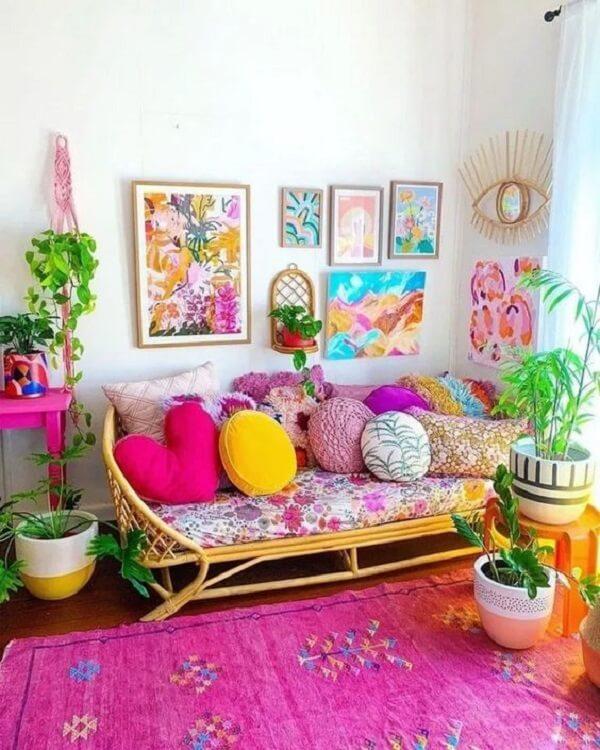 O tapete rosa para sala traz alegria para o cômodo