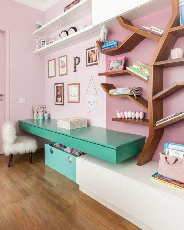 Bancada colorida suspensa para quarto infantil