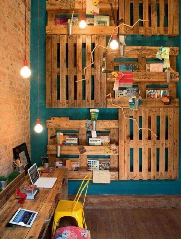 Utilize pallets para compor a decoração do escritório planejado