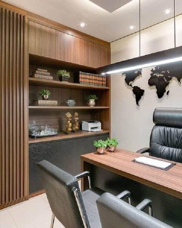 A iluminação do escritório planejado deve ser pensada com cuidado