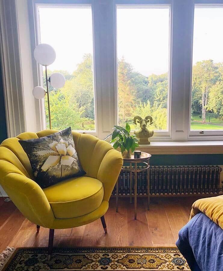 poltrona amarela  Foto Amy Wilson