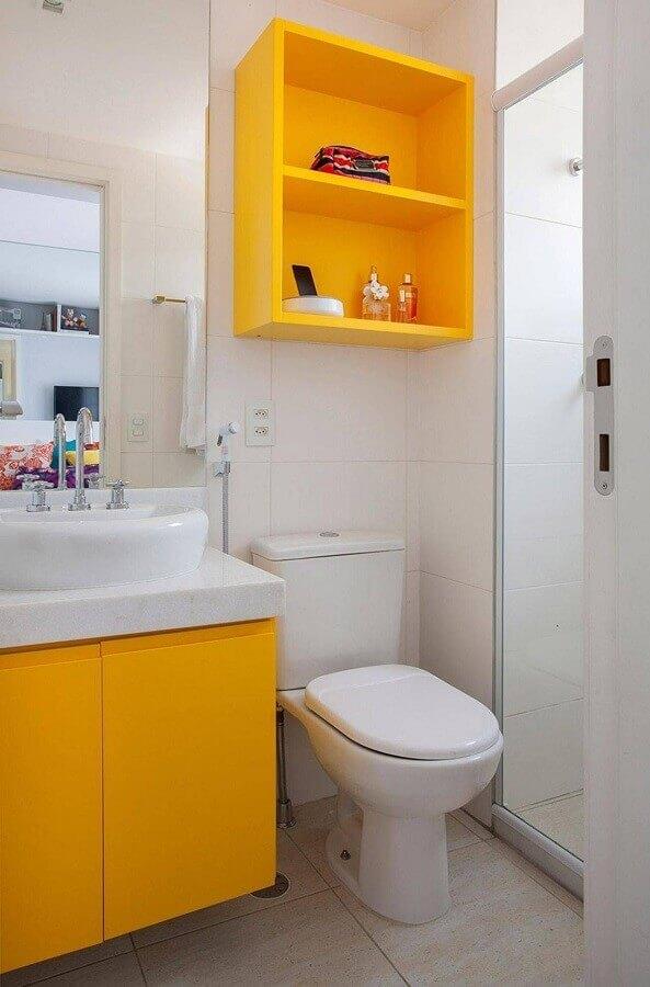 tons de amarelo para banheiro todo branco  Foto Pinterest