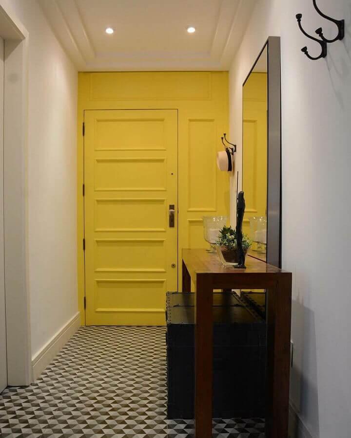 tons de amarelo para hall de entrada  Foto LR Arquitetura