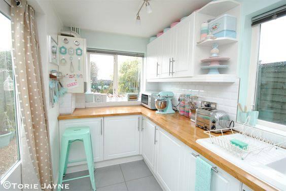 tons pasteis cozinha com azul e verde