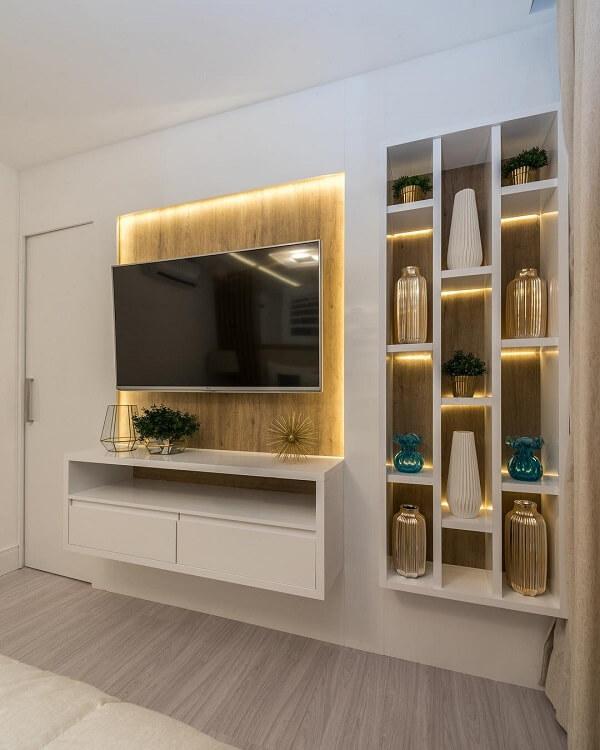 As luzes trazem um toque especial para os nichos para sala