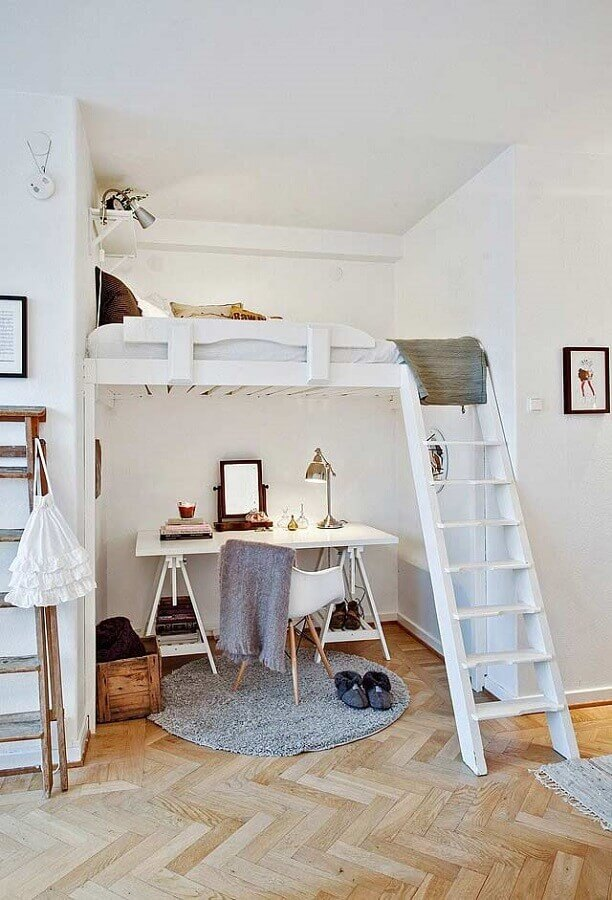 cantinho de estudo simples embaixo de cama mezanino  Foto We Heart It