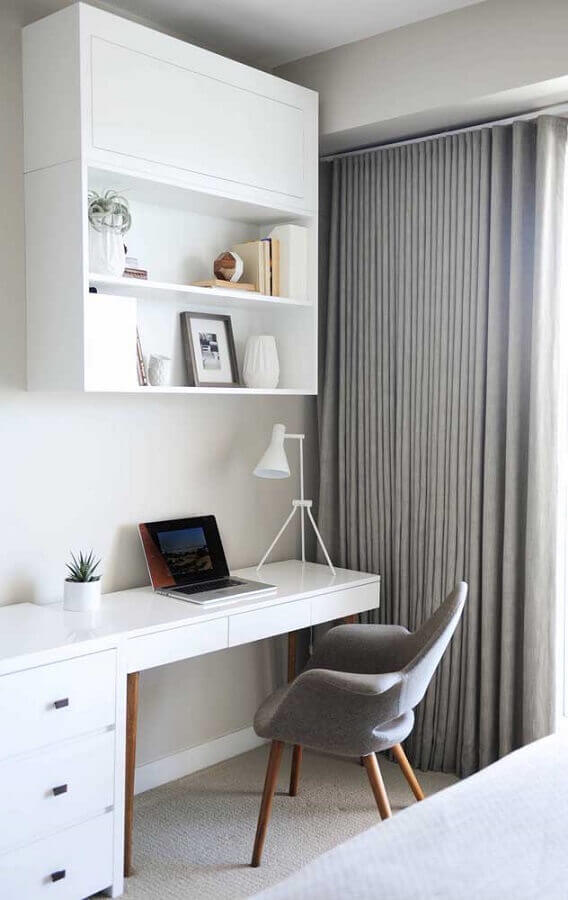 escrivaninha branca para cantinho de estudo  Foto Arquidicas
