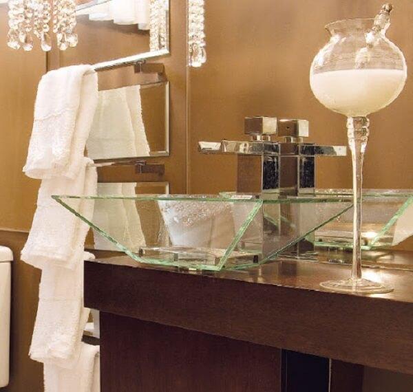 pia de banheiro de vidro sobreposta madeira