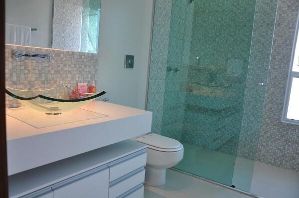 pia de banheiro de vidro sobreposta