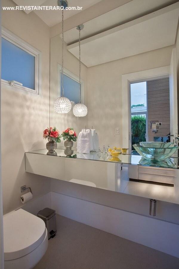 pia de banheiro de vidro vasos de flores