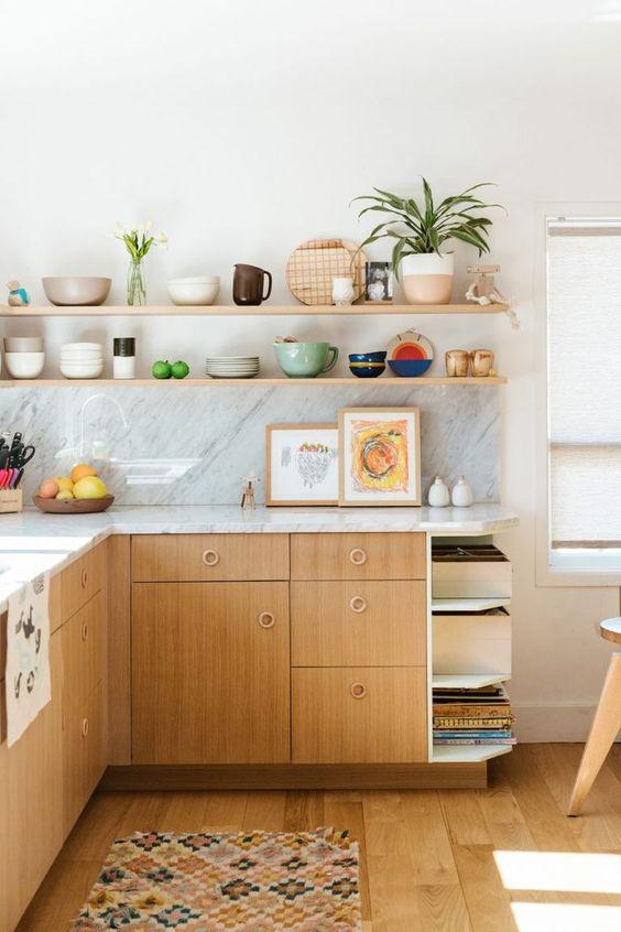 Armário de cozinha de canto com prateleiras