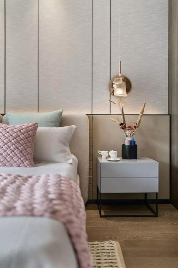 decoração de quarto com mesas de cabeceira diferentes moderna Foto Fashionismo