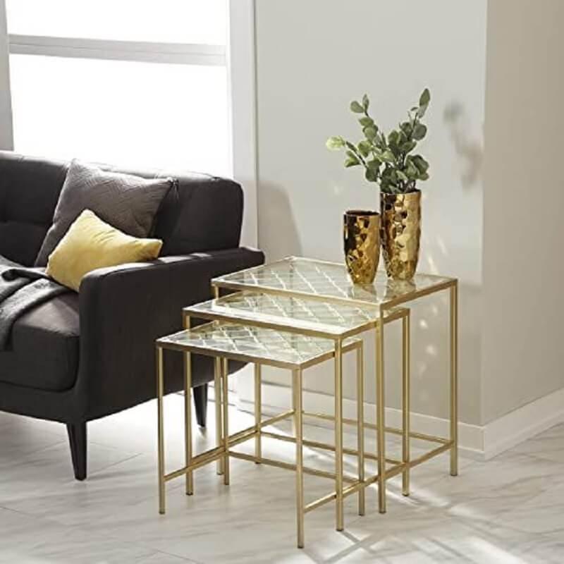 decoração mesa de canto para sala sofisticada com sofá preto  Foto Pinterest
