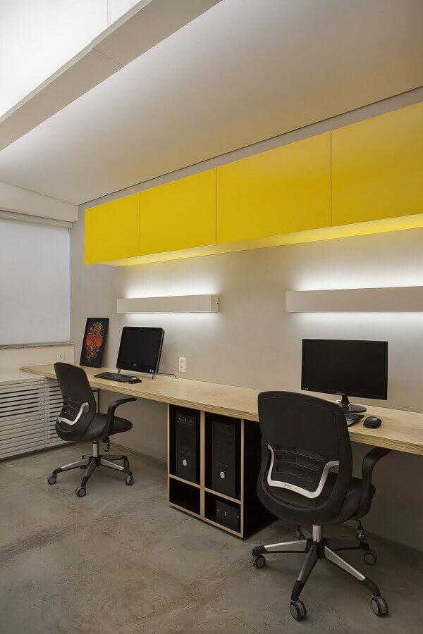 decoração moderna com cadeira escritório ergonômica Foto Pinterest