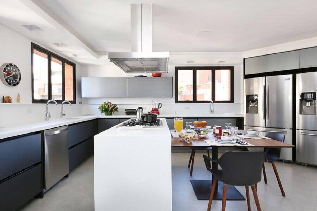 Cozinha completa e moderna