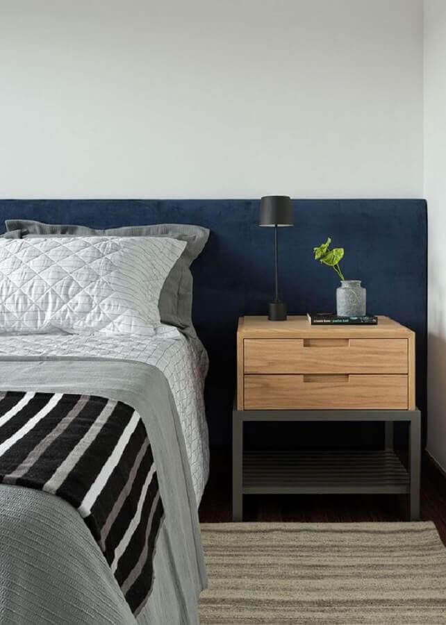 design moderno de mesa de cabeceira com gavetas para quarto de casal Foto Casa de Valentina