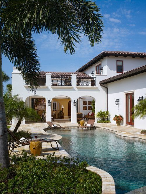 Casa luxuosa e grande com piscina