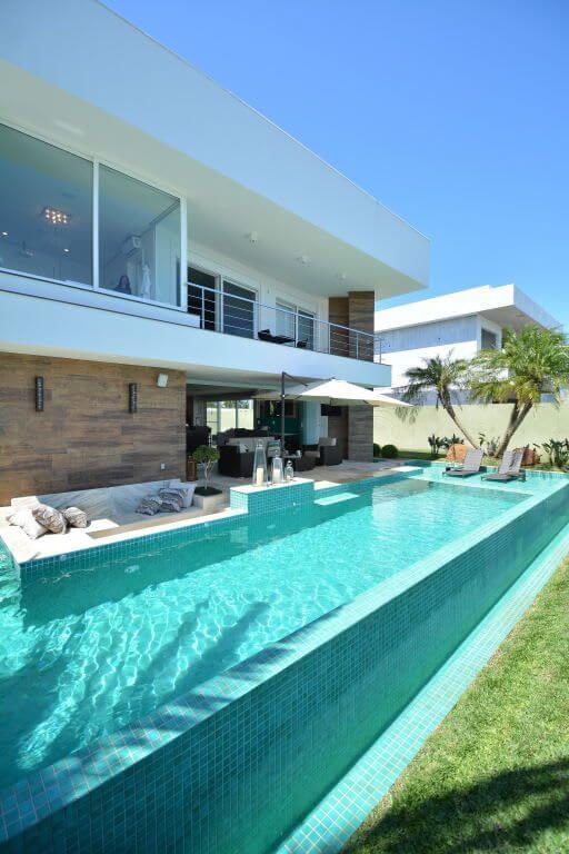Mansão de luxo com piscina