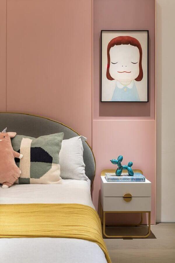 mesa de cabeceira diferente para decoração moderna de quarto feminino jovem Foto Pinterest