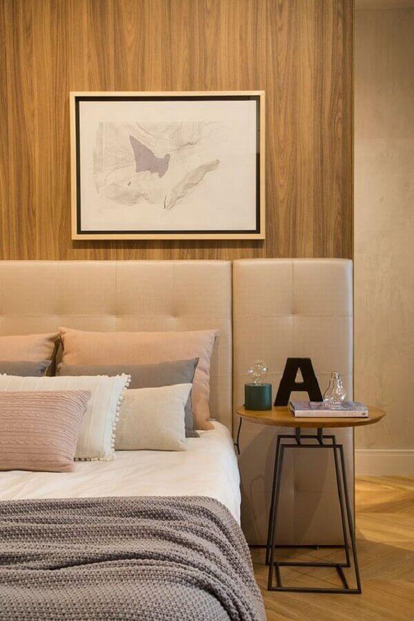 quarto de casal decorado com mesa de cabeceira redonda moderna Foto Casa de Valentina