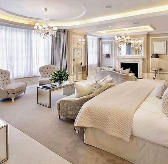 Quarto de mansão luxuosa