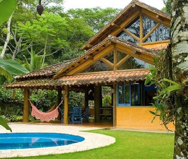 +53 Projetos de Casas de Campo com Varandas Perfeitas Para Relaxar