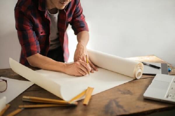 Assim como o arquiteto, o designer também considera padrões de estética e funcionalidade