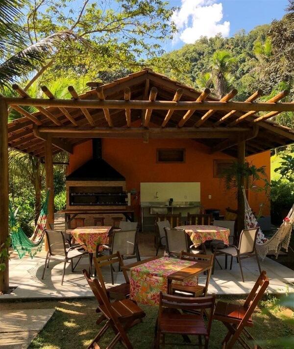 Casas de campo com varanda e churrasqueira para reunir familiares e amigos