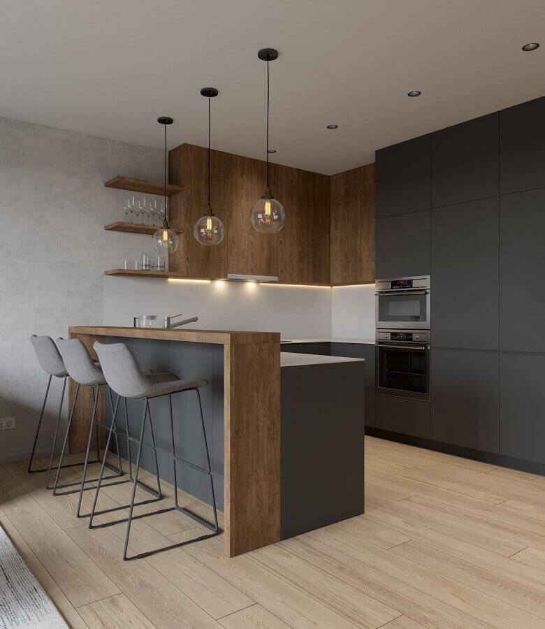 decoração com bancada de madeira para cozinha em tons de cinza escuro Foto Behance