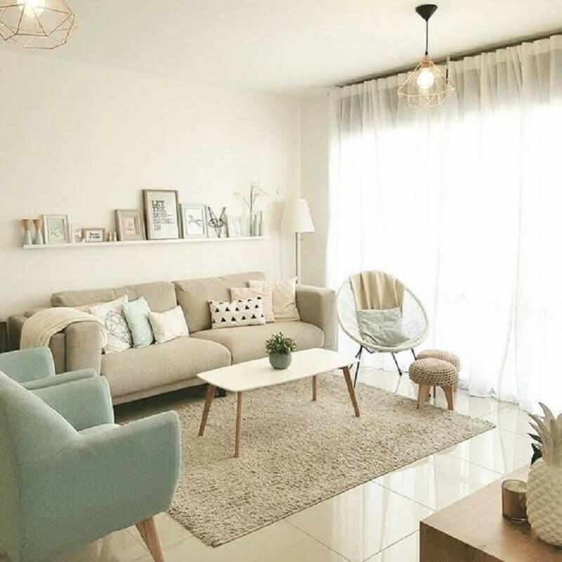 decoração de sala simples com tapete bege claro Foto Pinterest