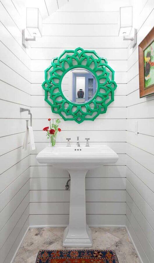 moldura verde para espelho de parede para banheiro branco pequeno Foto Deavita