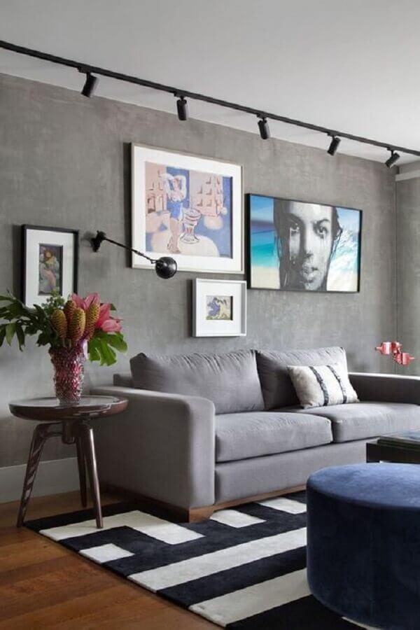 sala em tons de cinza decorada com tapete preto e branco Foto Pinterest