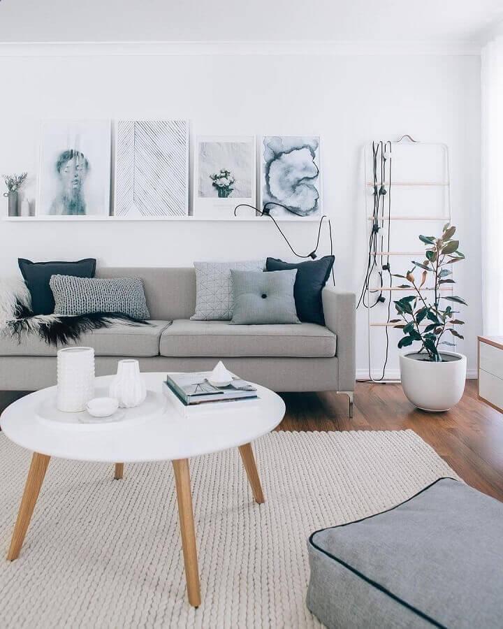 sala moderna decorada com tons de cinza claro  Foto Pinterest