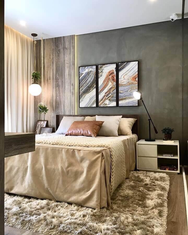 tapete bege mesclado para quarto de casal decorado com  parede cinza  Foto Claudia Albertini Arquitetura