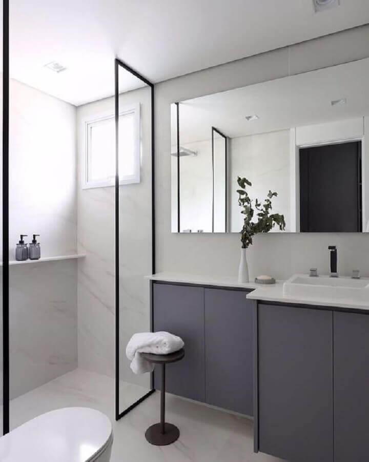 tons de cinza para decoração de banheiro planejado  Foto Pinterest
