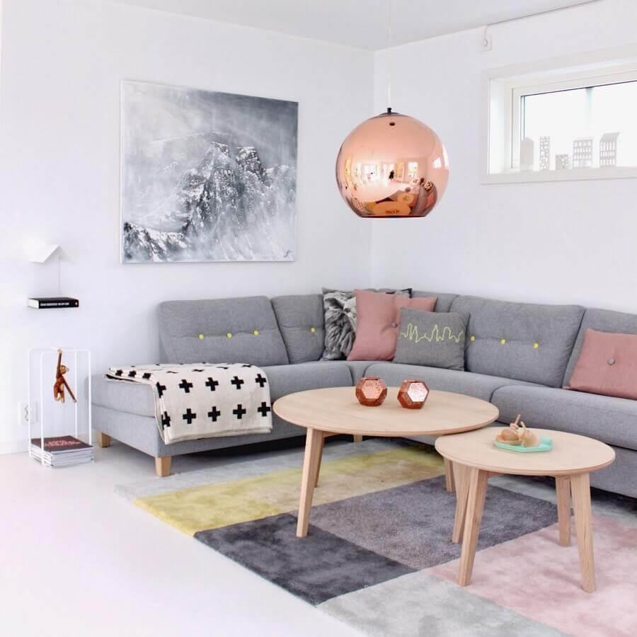 tons de cinza para sala decorada com detalhes cor de rosa Foto Dicas Decor