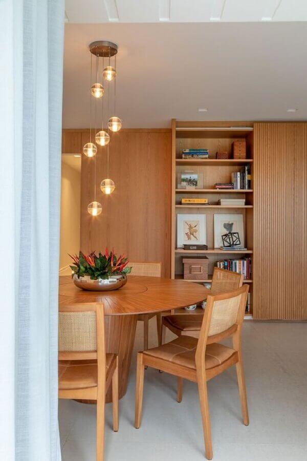 vasos com plantas para decoração de sala de jantar de madeira Foto Casa de Valentina