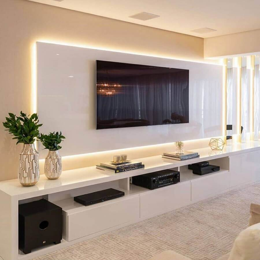 vasos de decoração para sala de TV branca planejada Foto Pinterest