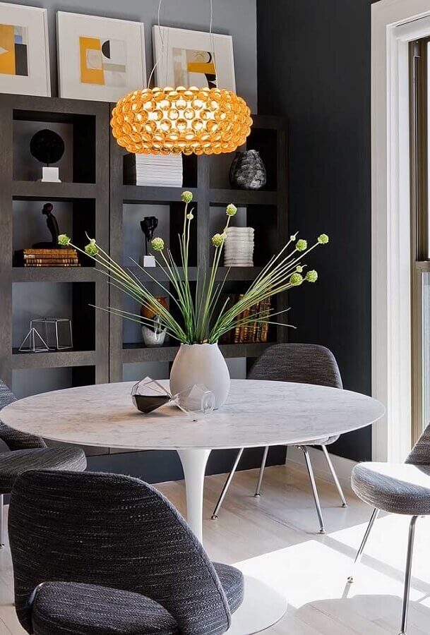 vasos decorativos para sala de jantar cinza moderna  Foto Futurist Architecture