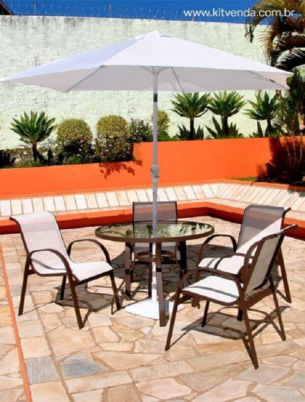 Conjunto de móveis para área da piscina