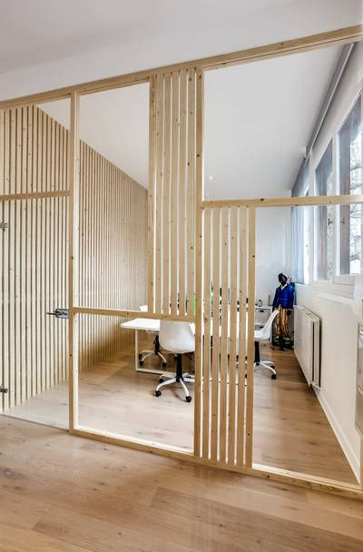 Divisória de madeira para escritorio moderno