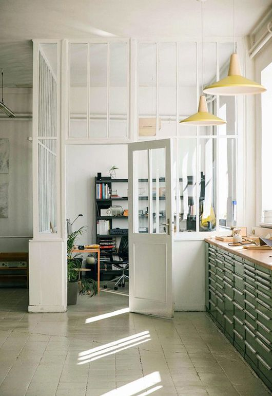 Divisória para escritório de vidro branca